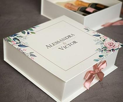 In hộp quà tặng theo yêu cầu